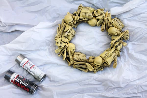 skeletonwreath08sm