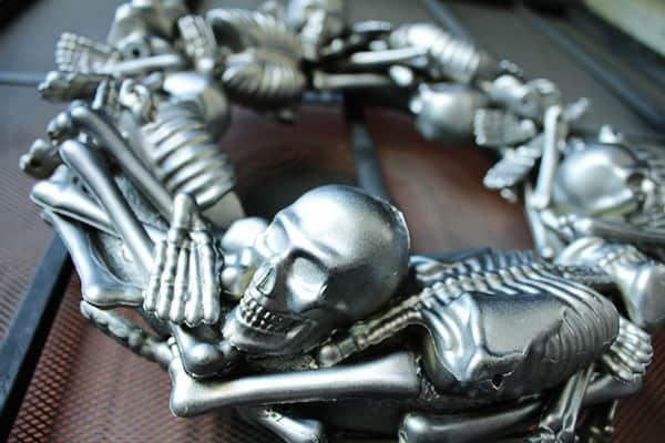 skeletonwreath12sm