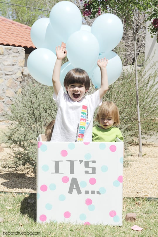 Gender Reveal Balloons: Happy Cousins