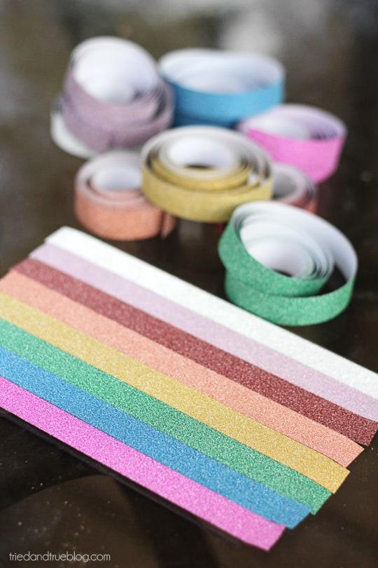 Glittered Rainbow Frame Tutorial : Tape