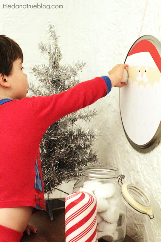 Santa's Christmas Countdown - Adding Puffs