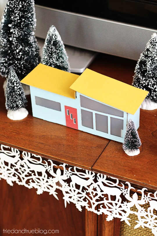Miniature Mid-Century Modern Models - Holiday home
