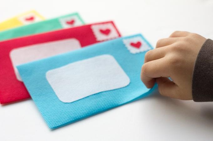 kids-play-envelope-sm-5