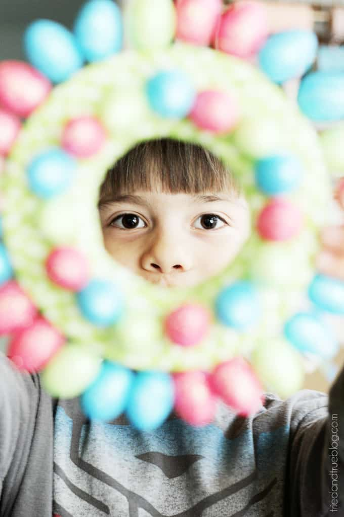 Easy Easter Egg Wreath for Kids - Happy Kid!