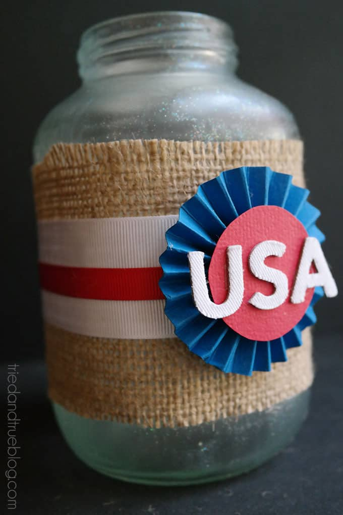 Recycled 4th of July Centerpieces - Decorate