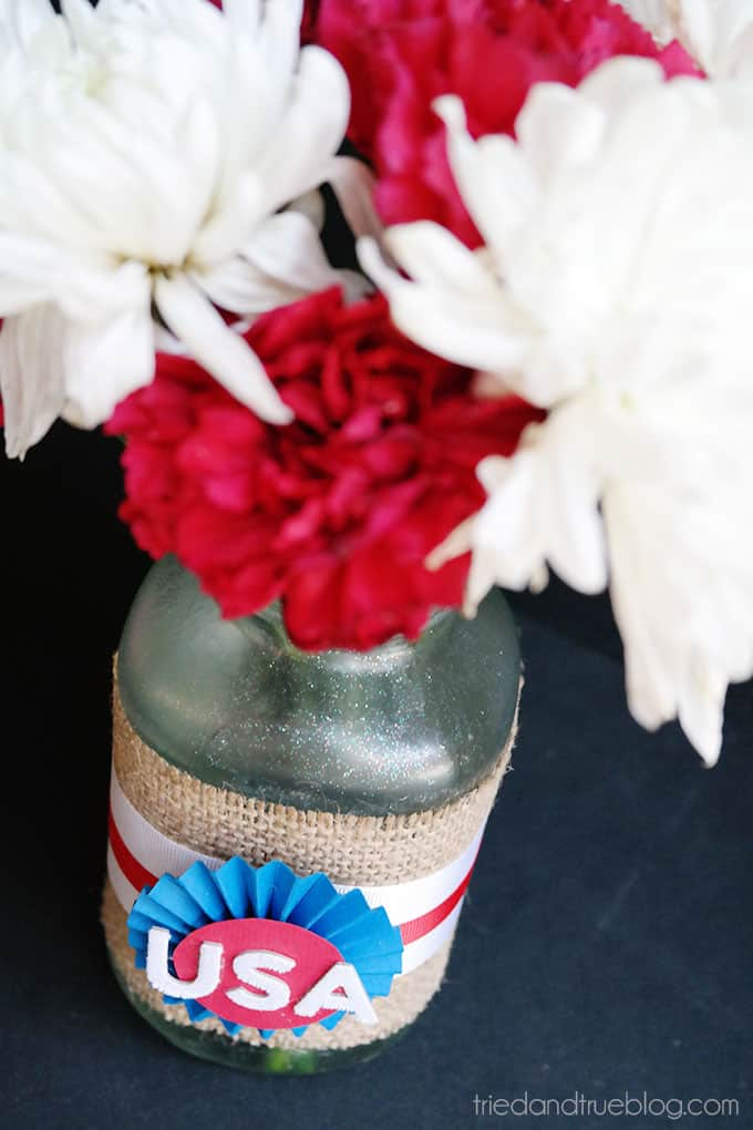 Recycled 4th of July Centerpieces - Flowers