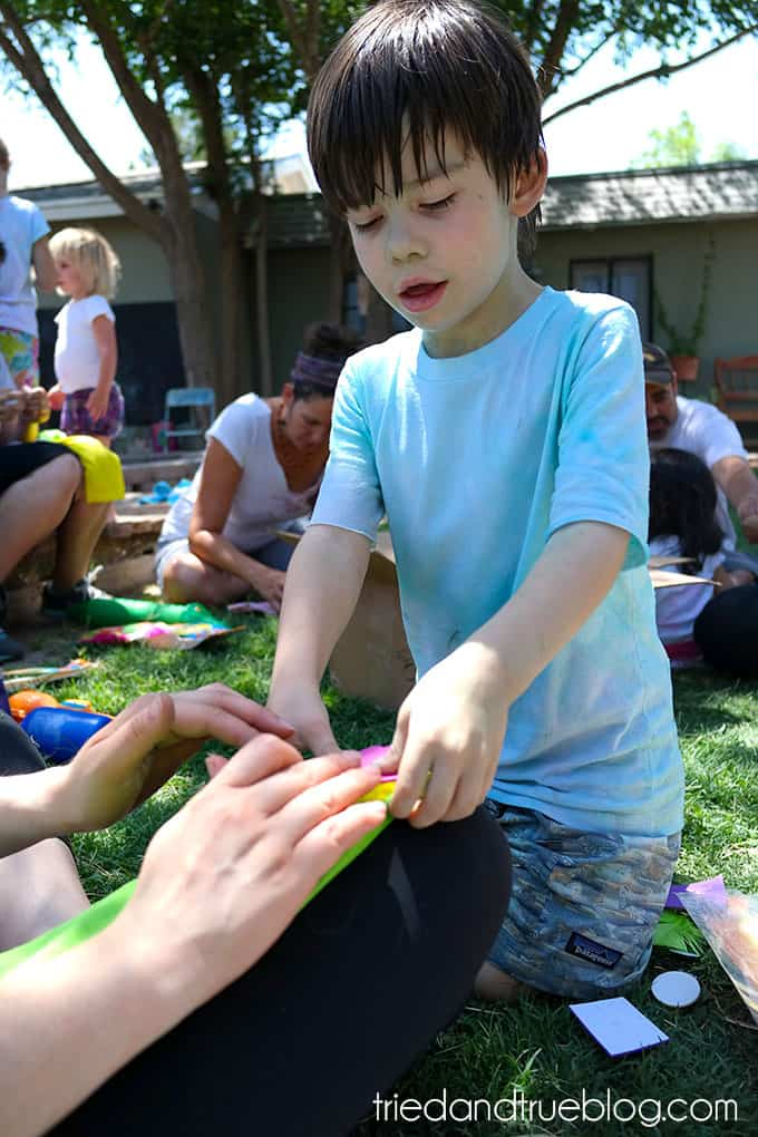 How To Throw A Crazy Summer Playdate - Assembly