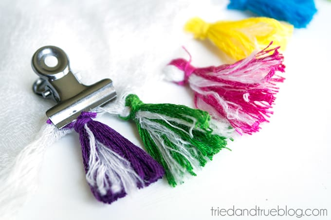 Make Your Own Tassel Scarf - Secure and tie off