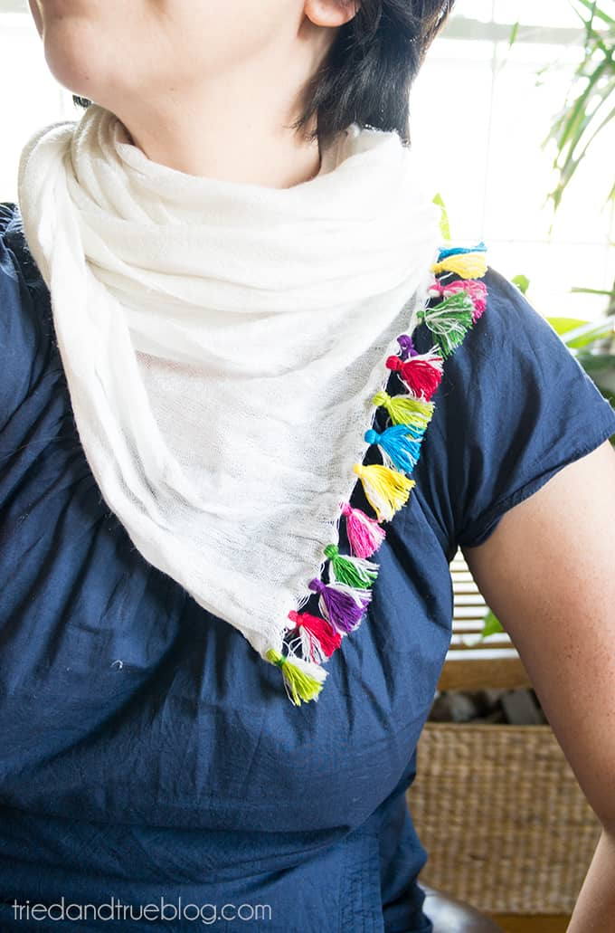 Make Your Own Tassel Scarf - Love the pop of color the tassels add!