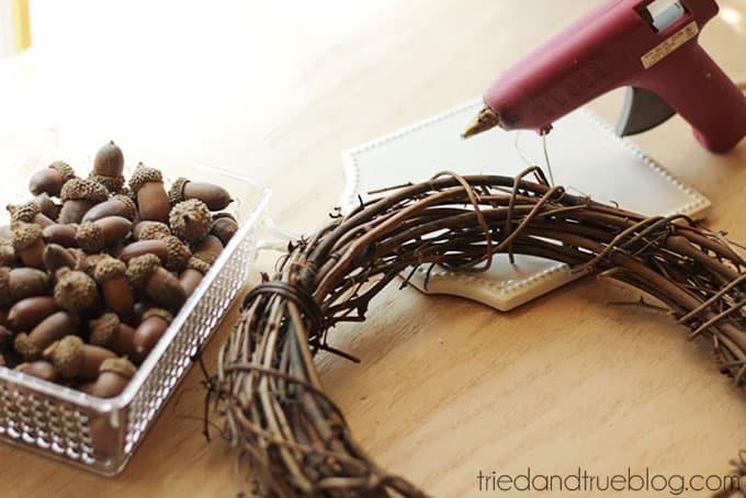 Fall Wreath with AcFall Wreath with Acorns - Suppliesorns - Glue on acorns