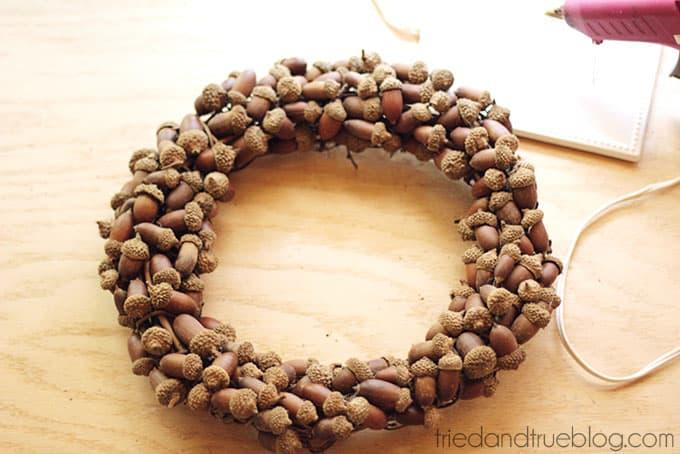 Fall Wreath with Acorns - Tons of acorns!