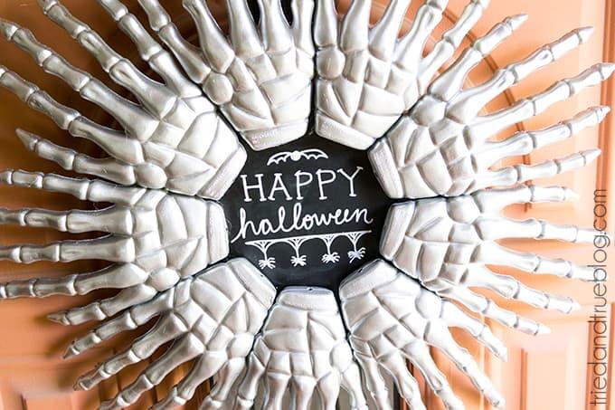 Skeleton-Hands-Halloween-Wreath-06sm