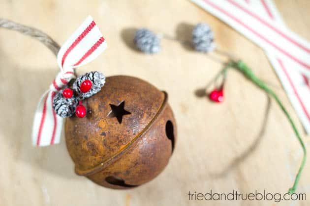 """Believer"" Rustic Christmas Art - Decorate"