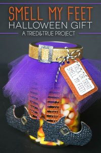 """Add tulle and paper embellishments to a mason jar to make this super cute """"Smell My Feet"""" Halloween Gift! Can be fill with small toys, knick nacks, or candy to customize for any recipient. Makes a perfect teacher's gift as well!"""