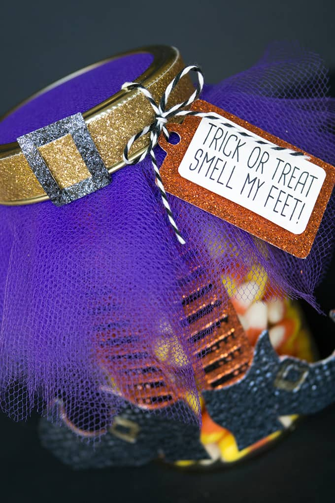 """Smell My Feet"" Halloween Gift - A perfect Halloween gift for a teacher or friend!"