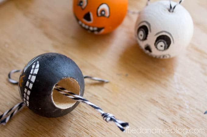 Vintage Halloween Tassels - Knot