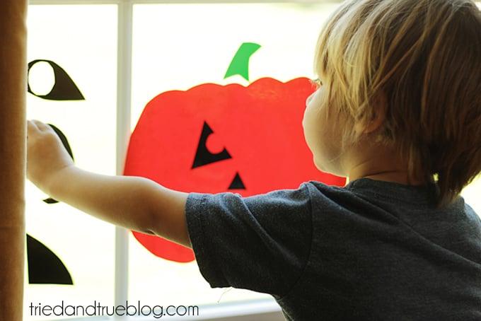 Super Easy Halloween Window Clings - Stick 'em!