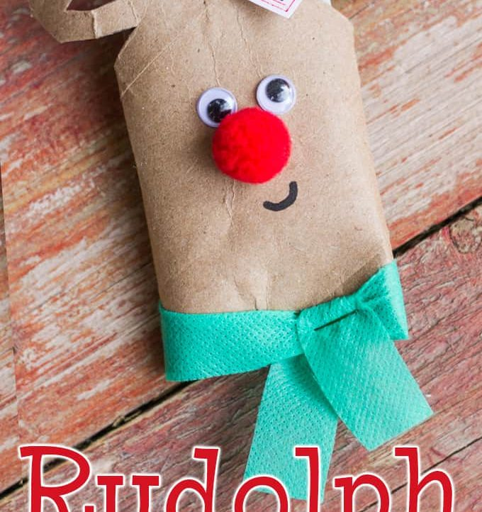 This super easy Rudolph Gift Card Holder is simple enough for a child to make and uses recycled material! A perfect teacher's gift!
