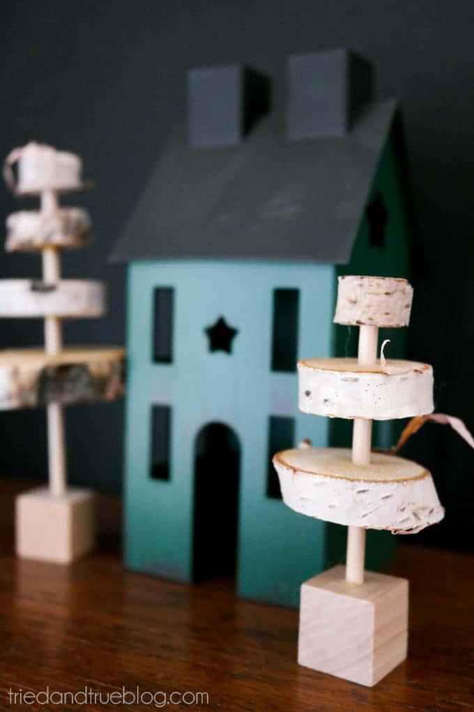 Rustic Christmas Trees - Rustic Home