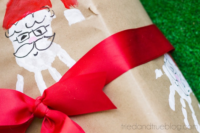 Santa Handprint Homemade Wrapping Paper - Wrapped #TryZep