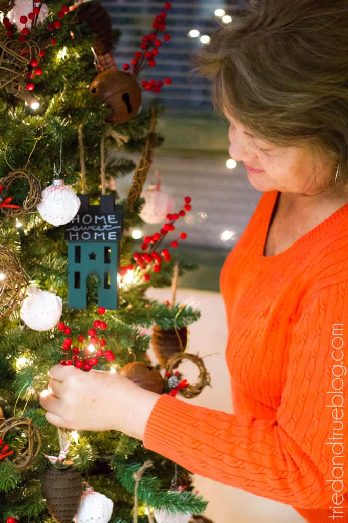 """""""All Hearts Go Home"""" Christmas Tree Decorations - Adding Ornaments"""
