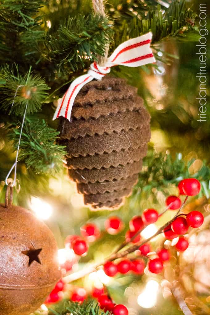 """""""All Hearts Go Home"""" Christmas Tree Decorations - Pinecone Ornament"""
