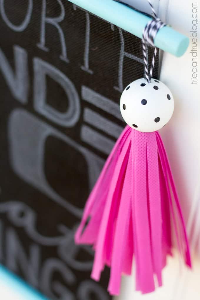 Super Easy Tassel Tutorial - Hang