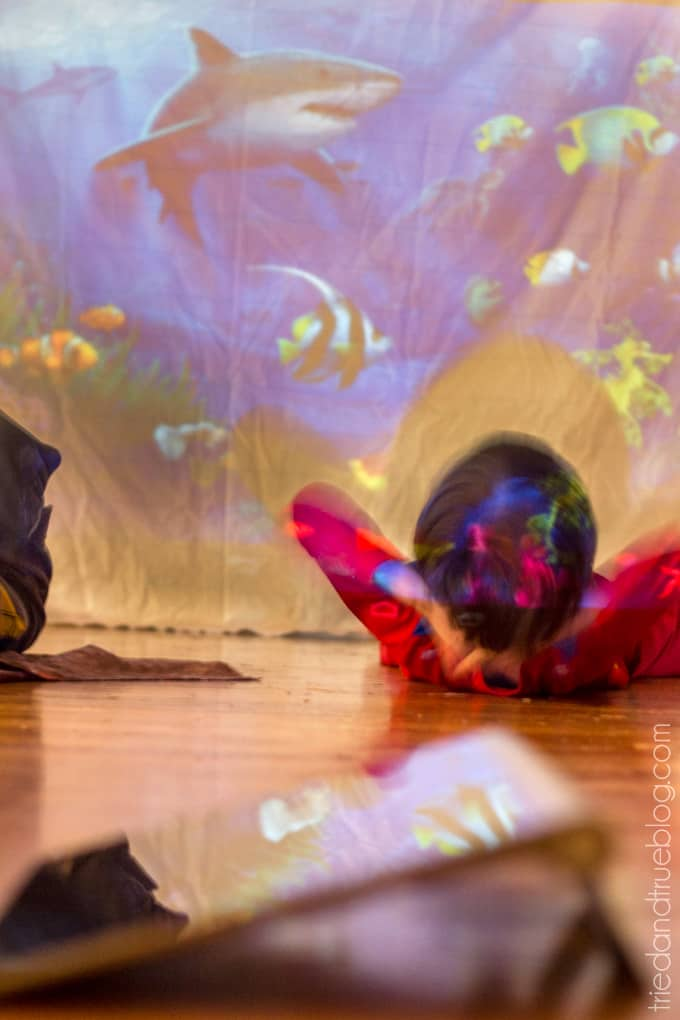 5 Fun Projector Activities for Kids - Under the sea