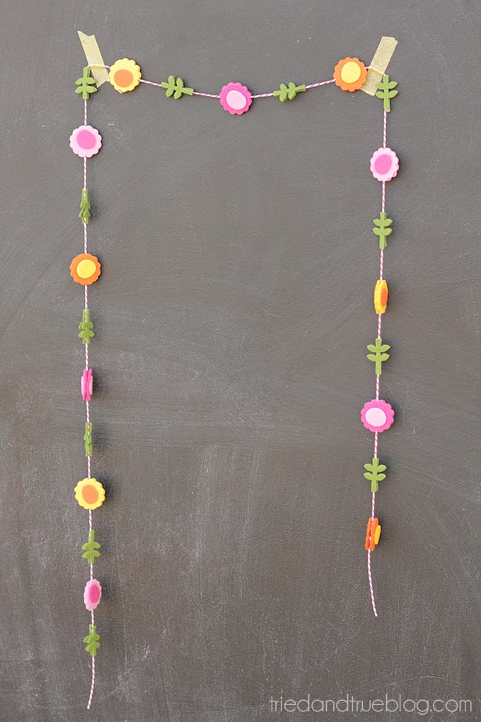 15 Minute Spring Garland - Ready to decorate!