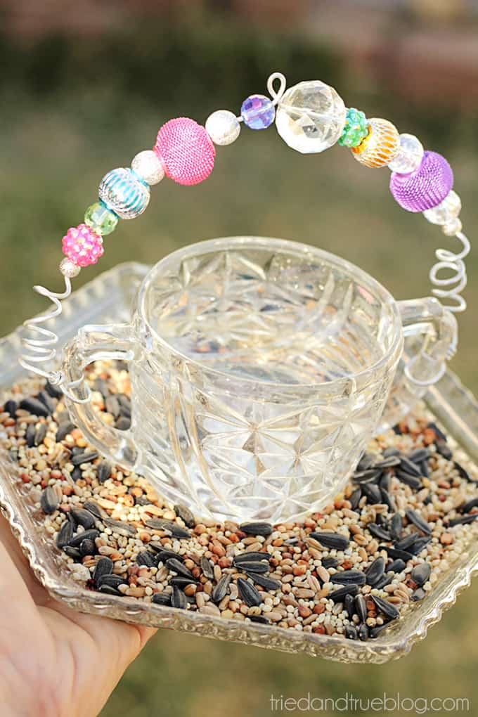 Easy Recycled Bird Feeder - Fill