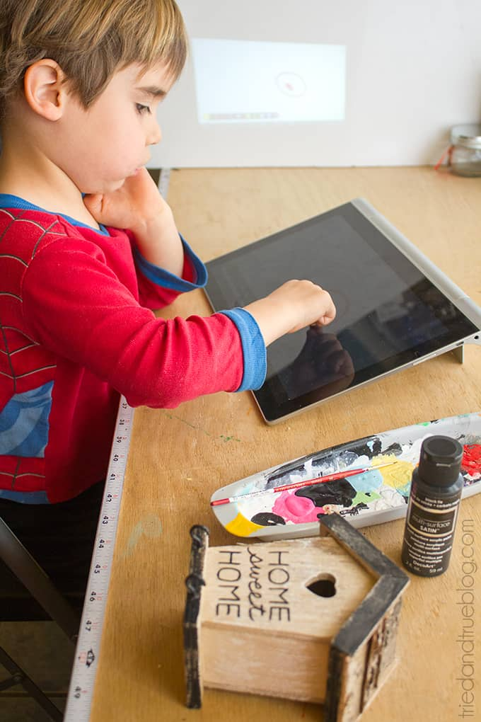5 Fun Projector Activities for Kids - Drawing