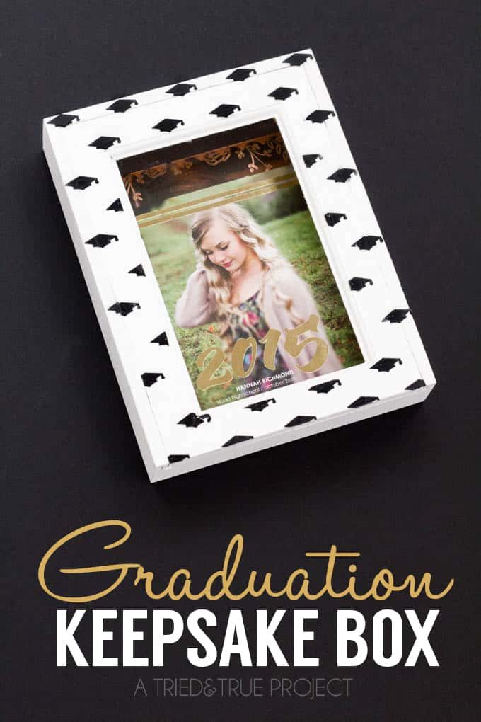 This Graduation Announcement Keepsake Box is the perfect practical give to make a graduate! Only requires a few supplies and it's super easy to customize!