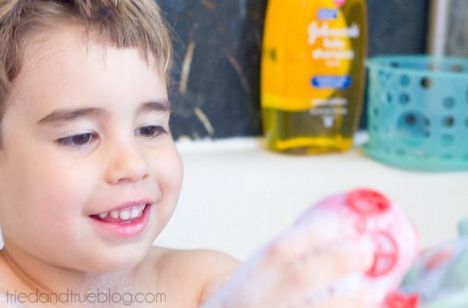 7 Silly Bathtime Songs - Happy