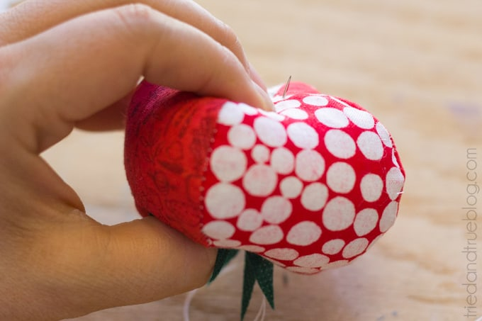 Quilted Tomato Pin Cushion - Press
