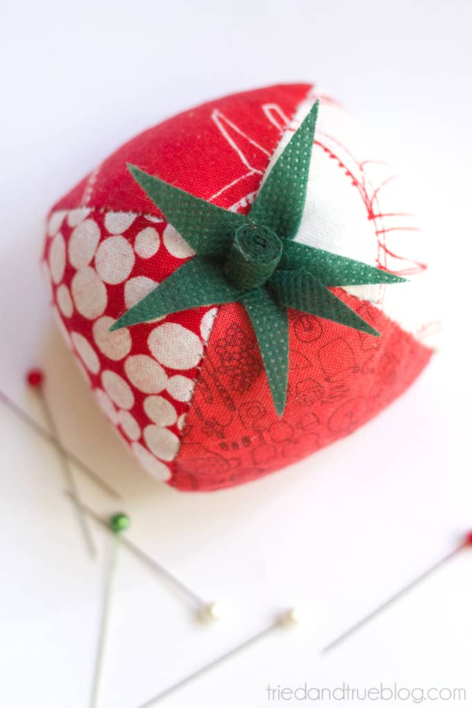 Quilted Tomato Pin Cushion - Pin Away
