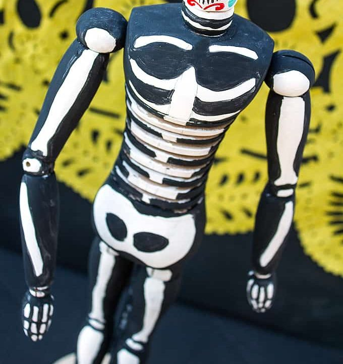 This Dia de Los Muertos Figurine is fun to make with just a few supplies!