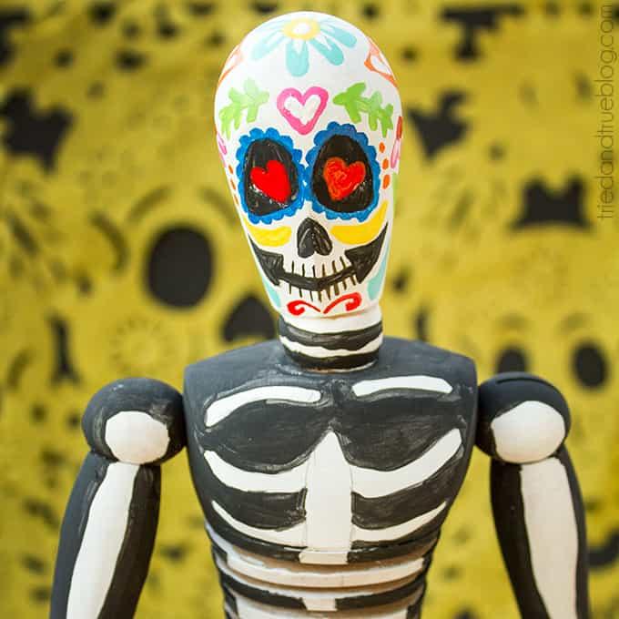 Dia de Los Muertos Figurine - Square