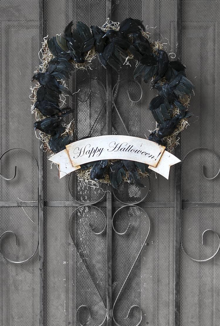 Black Crow Halloween Wreath - Greet