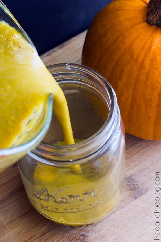 Caffeine-Free Pumpkin Spice Drink - Pour
