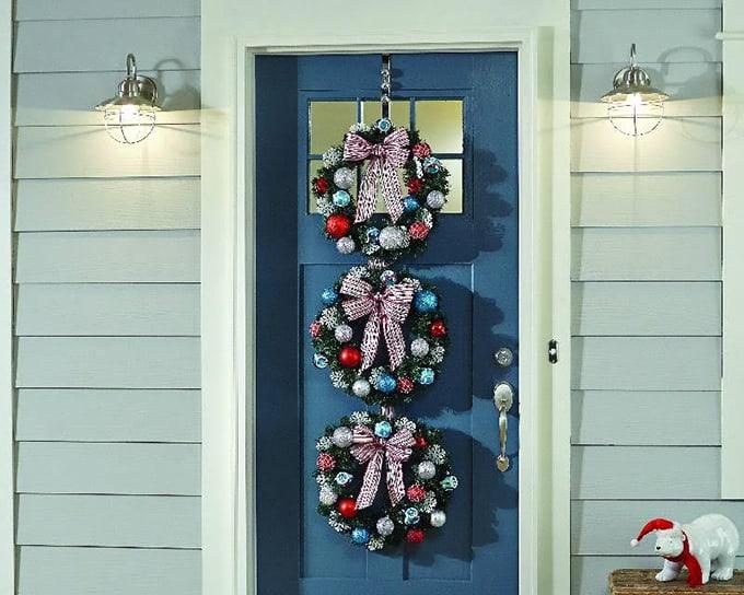 Classic-Christmas-Wreath-Trio-12