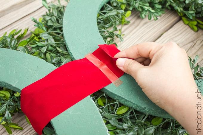 Classic Christmas Wreath Trio - Ribbon