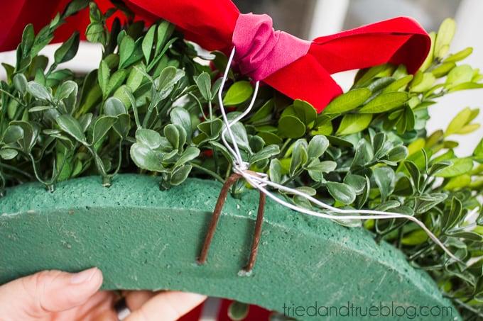 Classic Christmas Wreath Trio - Attach
