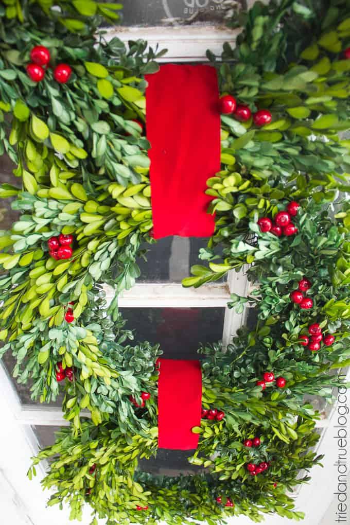 Classic Christmas Wreath Trio - Close Up