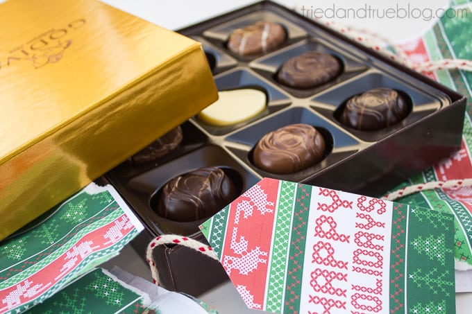 Free Nordic Holiday Gift Wrapping & Tags - YUM
