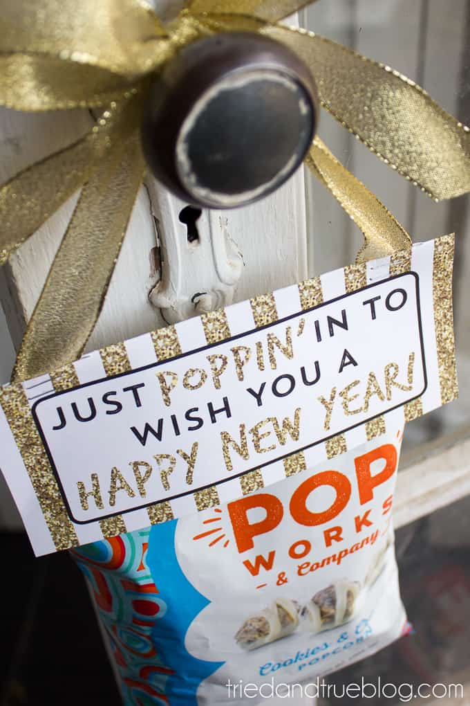 Easy Neighbor Gift for New Years - Hang