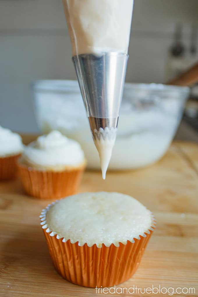 Moscow Mule Cupcakes - Pipe