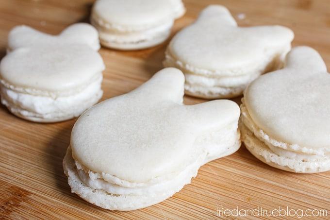 Cute Easter Bunny Macarons - Bunny Shape