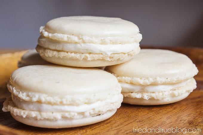 Cute Easter Bunny Macarons - Basic