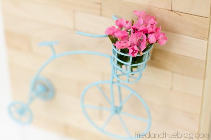 Mini Vintage Bicycle Art - Close up