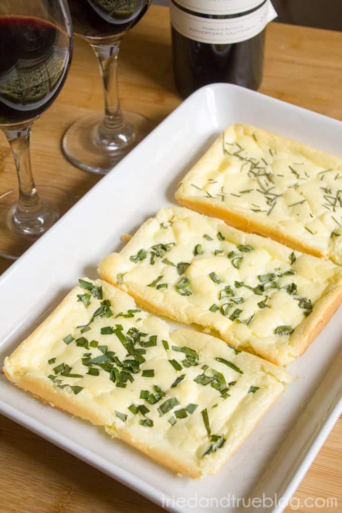 Herb Cloud Bread Appetizer - Ready